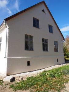 Kalkputsrenovering utförd på Gotlandsgård med vår egentillverkade kalk.